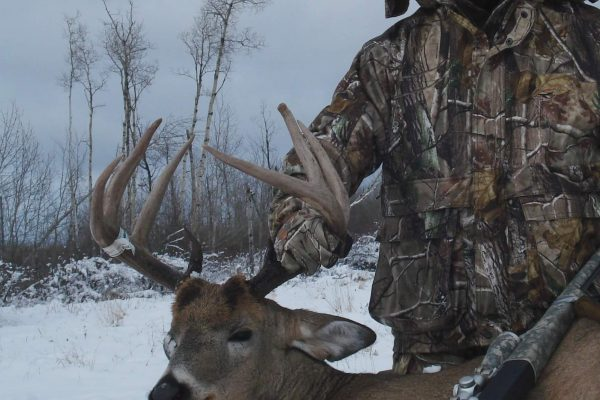 2012 Whitetail season at Elusive Saskatchewan Whitetail Outfitter