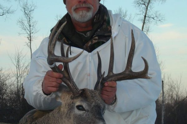 Character point whitetail buck at Elusive Saskatchewan Whitetail Outfitter