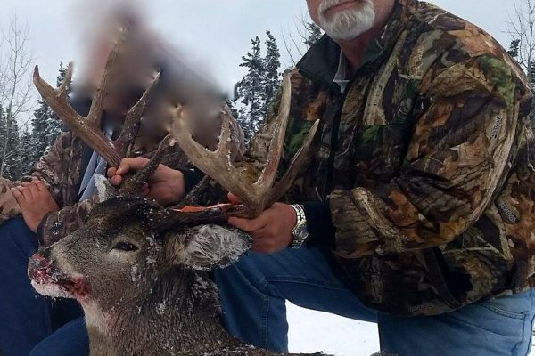 Dan tagged this nice 5×5 Whitetail Buck