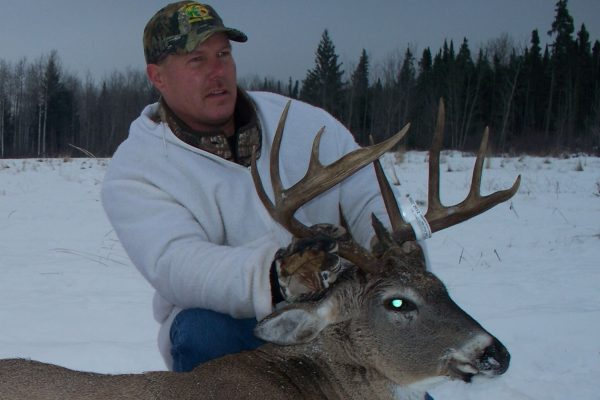 Lee tags a nice 10 point White Tail Deer Buck at Elusive Saskatchewan Whitetail Outfitter